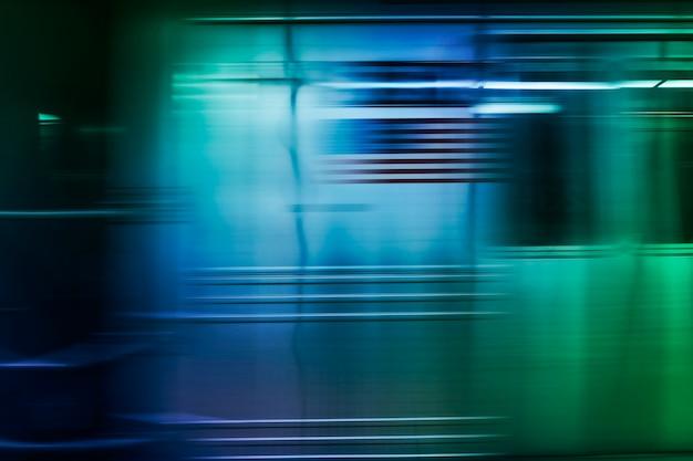 緑の抽象的なモーションブラーの背景