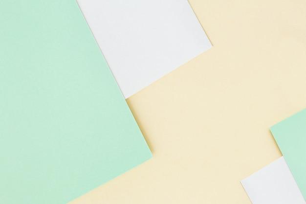 Зеленый и белый фон бумаги