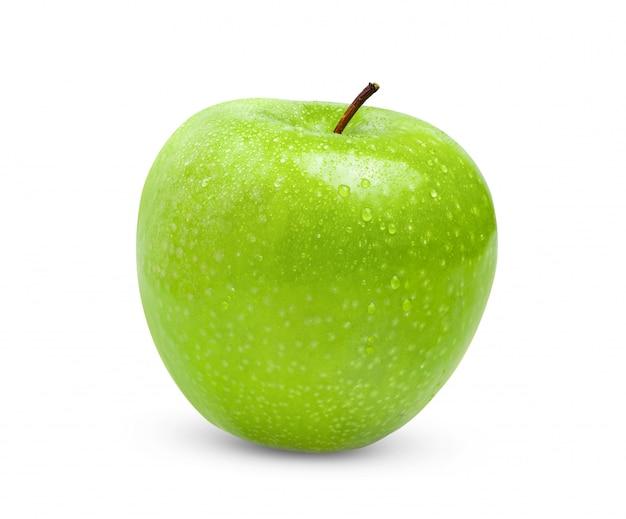 Зеленое яблоко на белом фоне с капли воды на полную глубину резкости