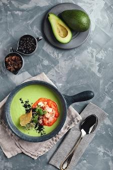 エビとグリーンアスパラのスープ