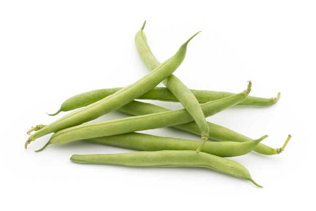 녹색 콩 흰색 배경에 고립입니다.