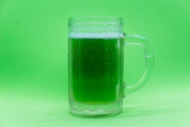 녹색 맥주 잔 성 패트릭의 날 기호