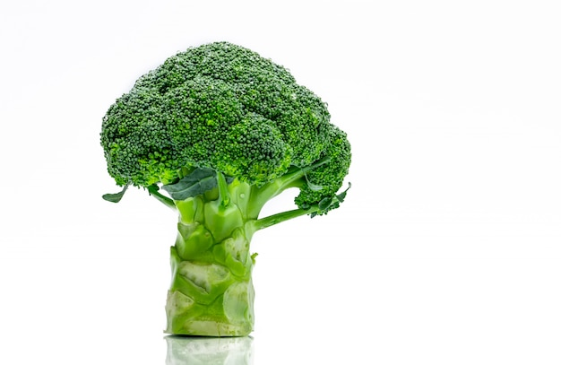 Green broccoli (brassica oleracea)
