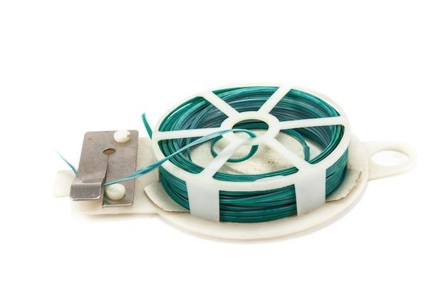 Зеленые кабельные стяжки пакет готов к резке