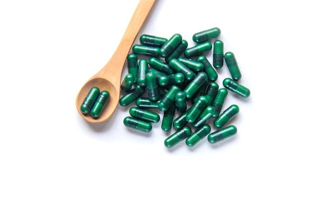 Зеленые капсулы, лекарственные травы. почки селективная направленность натуры