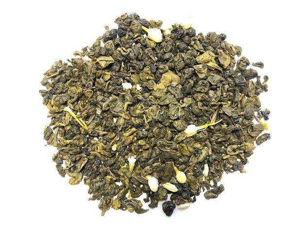 白い背景で隔離の緑セイロン茶。お茶の写真。