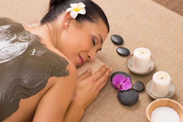 Лечение зеленой глиной в спа
