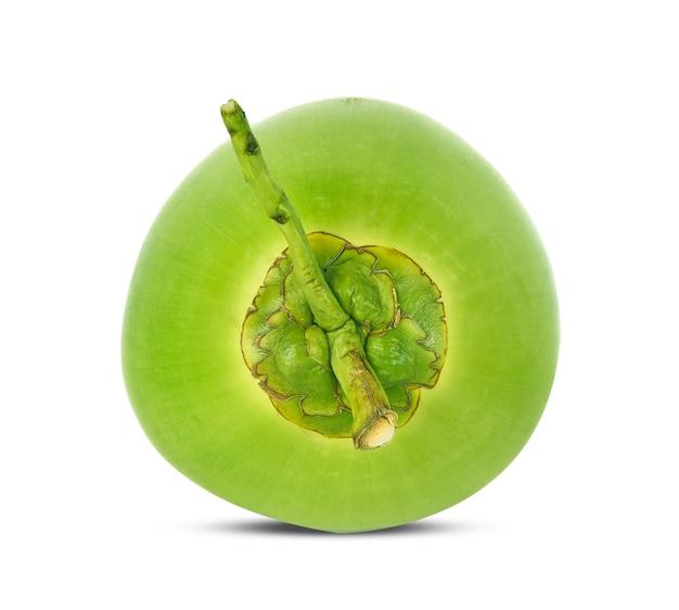 緑のココナッツフルーツは白い背景で隔離。