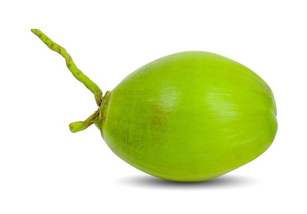 Зеленый кокос, изолированные на белой поверхности