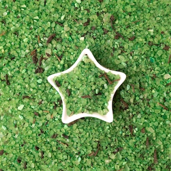 海塩の緑色の結晶