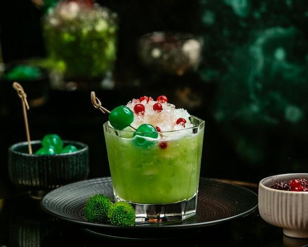 氷と果実と緑のデトックス