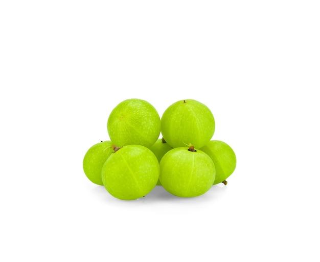 白い背景で隔離の緑の果実