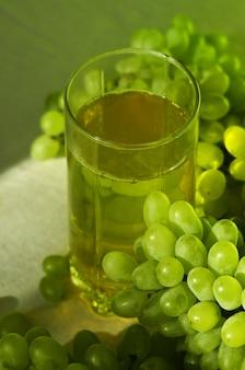 Green grape juice