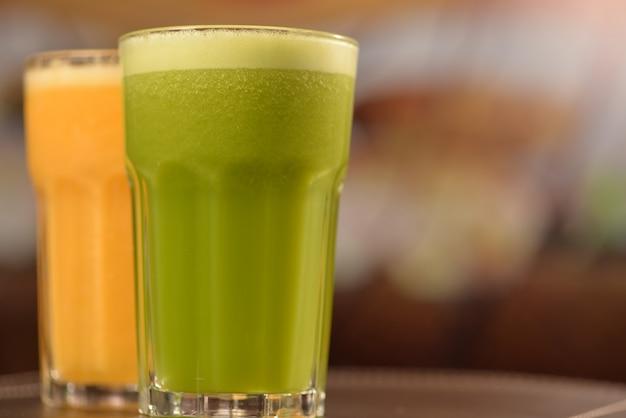 Green juice and orange juice