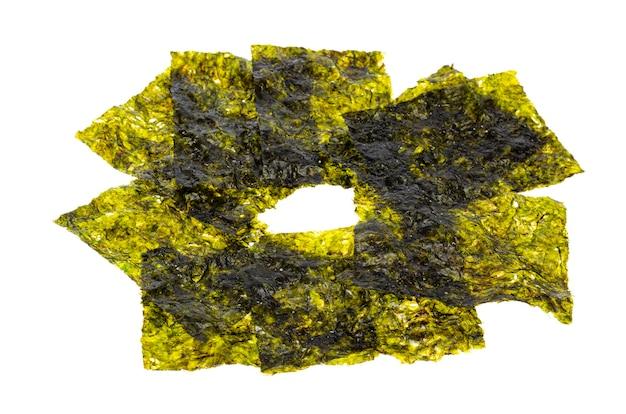 Зеленые листья прессованных водорослей