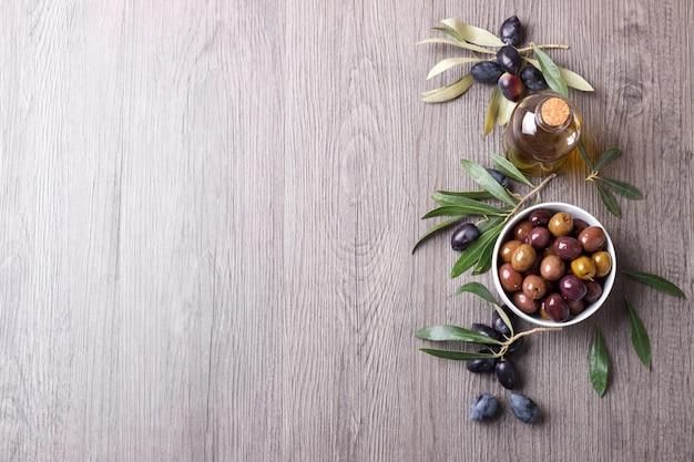 Green marinated olives