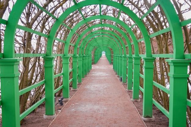 ガーデンメタルグリーンフレームガーデントンネルのグリーンメタルトンネル