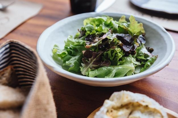 Green oak salad.