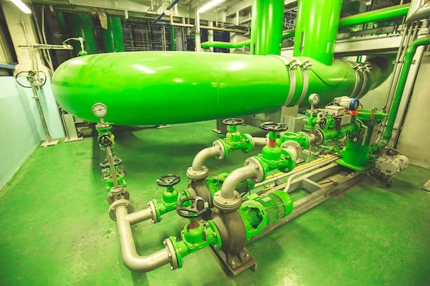 Экологичное трубопроводное и арматурное оборудование для электростанций бщу систем водоснабжения Premium Фотографии