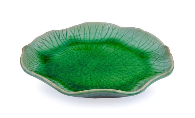 흰색 바탕에 녹색 접시