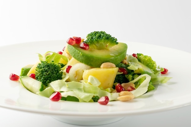 Green salad with avocado and vegetables
