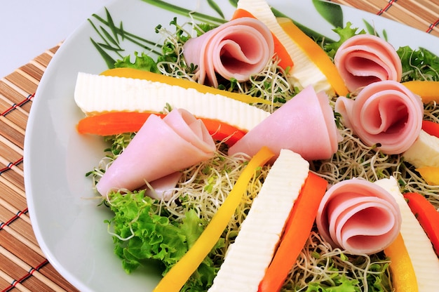 Green salad with ham