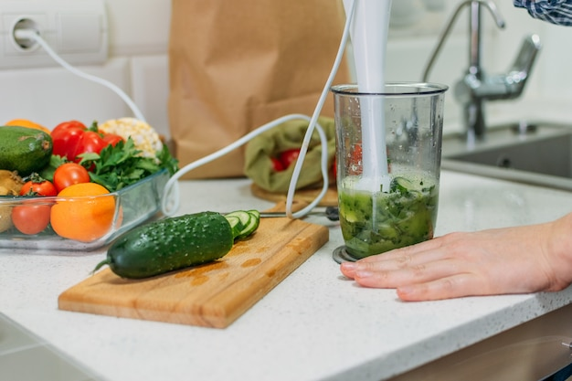 Green smoothie recipes for healthy breakfast blended green smoothie with ingredients green juice