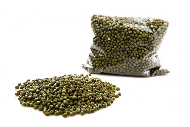Зеленые соевые бобы