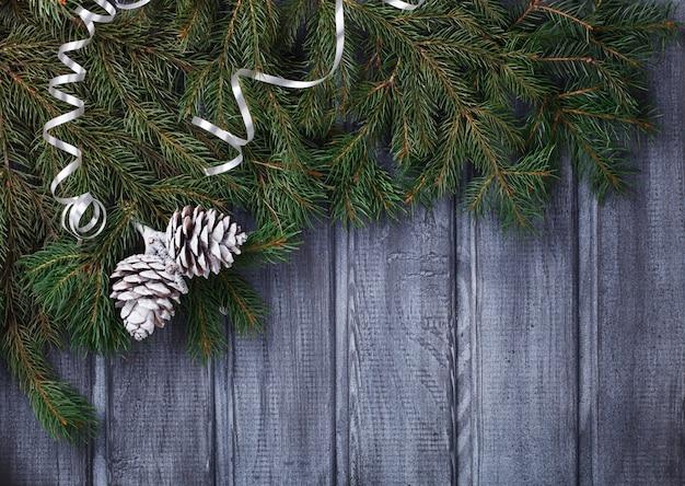 緑のトウヒの枝クリスマスポストカード