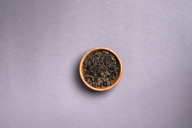 Высушенные листья зеленого чая