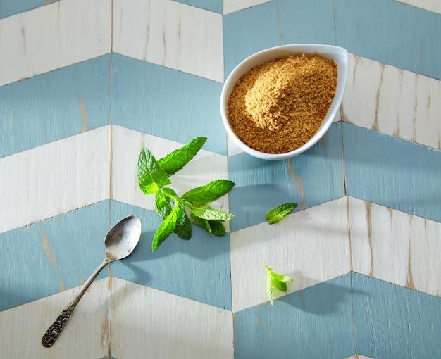 Ингредиенты зеленого чая в марокканском стиле