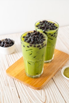 Зеленый чай латте с пузырьками
