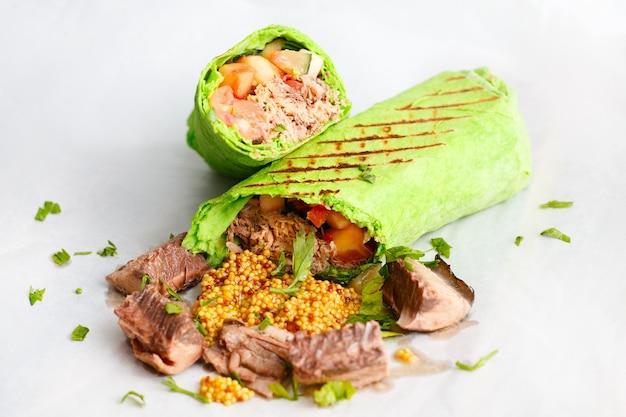 Green tuna shawarma.