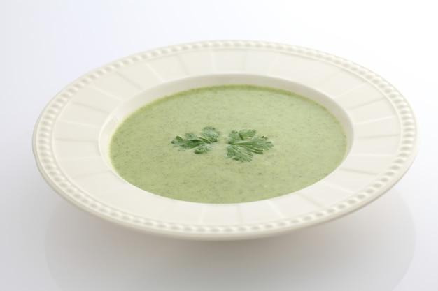 緑の野菜スープ