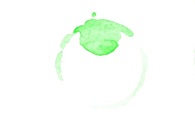 Зеленый круг акварель, изолированные на белом фоне