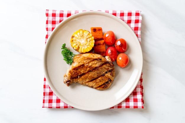 Филе свинины с овощами на гриле и барбекю