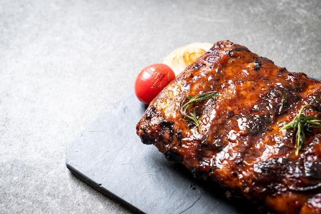 구운 및 바베큐 갈비 돼지 고기