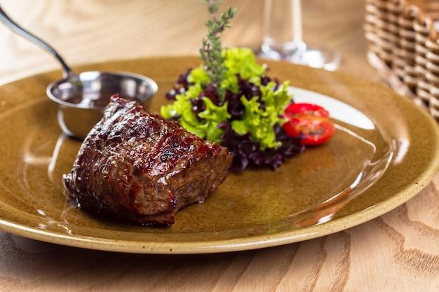구운 쇠고기 스테이크