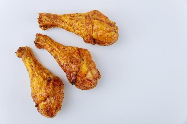 버팔로 소스로 절인 구운 닭고기 나지만