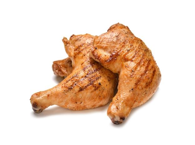 흰색 표면에 고립 된 구운 된 닭 허벅지