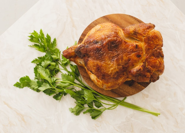 Grilled chicken with parsley