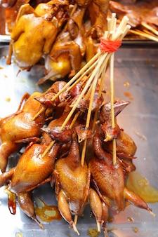 구운 병아리 - 중국 상하이의 길거리 음식. 얕은 dof!!