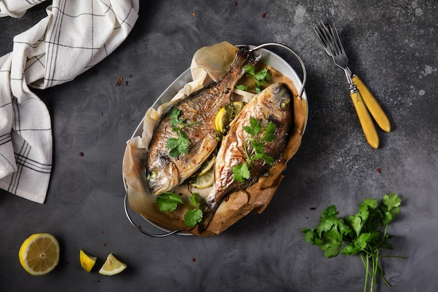 Grilled dorado fish with lemonnd parsley
