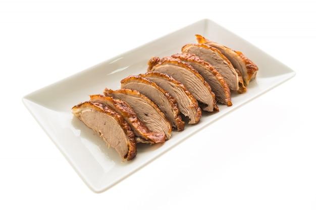 Жареная утка мясо в белой тарелке Бесплатные Фотографии