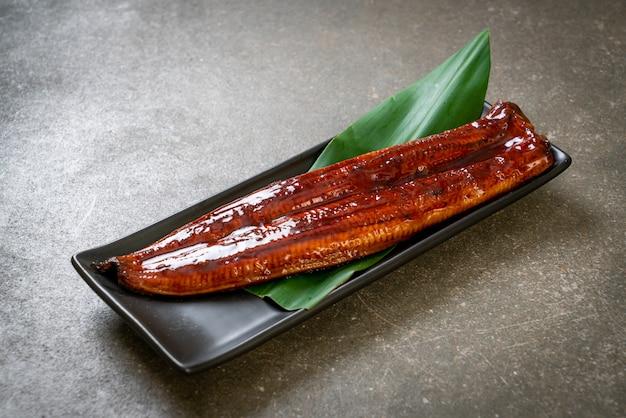 うなぎのグリルまたはうなぎのタレ焼き(蒲焼)-。日本食。