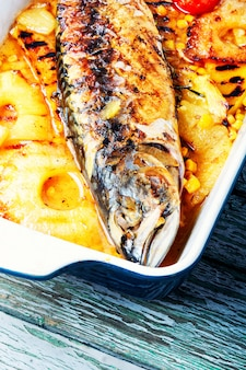 Grilled fish in pineapple sauce