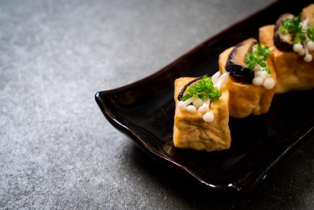 しいたけと金色のきのこの焼き豆腐
