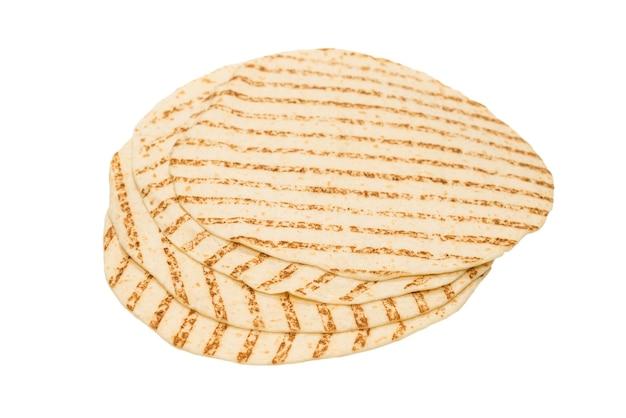 白で隔離の焼きピタパン。