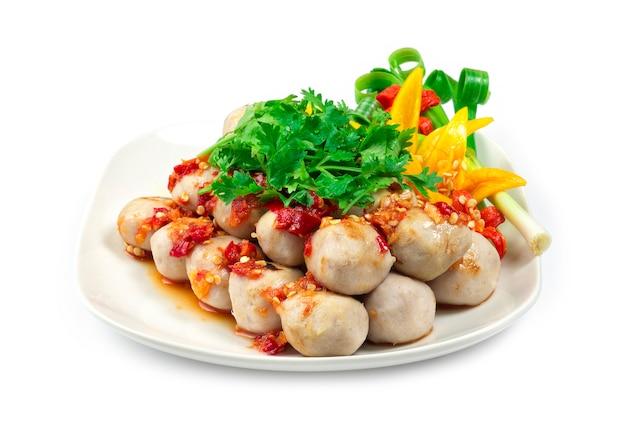 Гриль из свинины с морепродуктами и острым соусом из морепродуктов