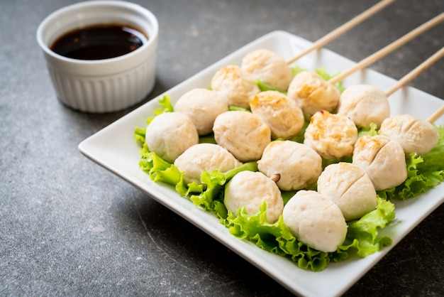 Grilled pork meatballs with sweet chili sauce